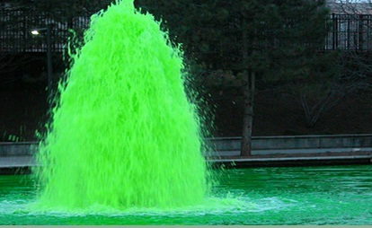 Indianapolis Whiteriver Canal turns green on St. Patrick's Day